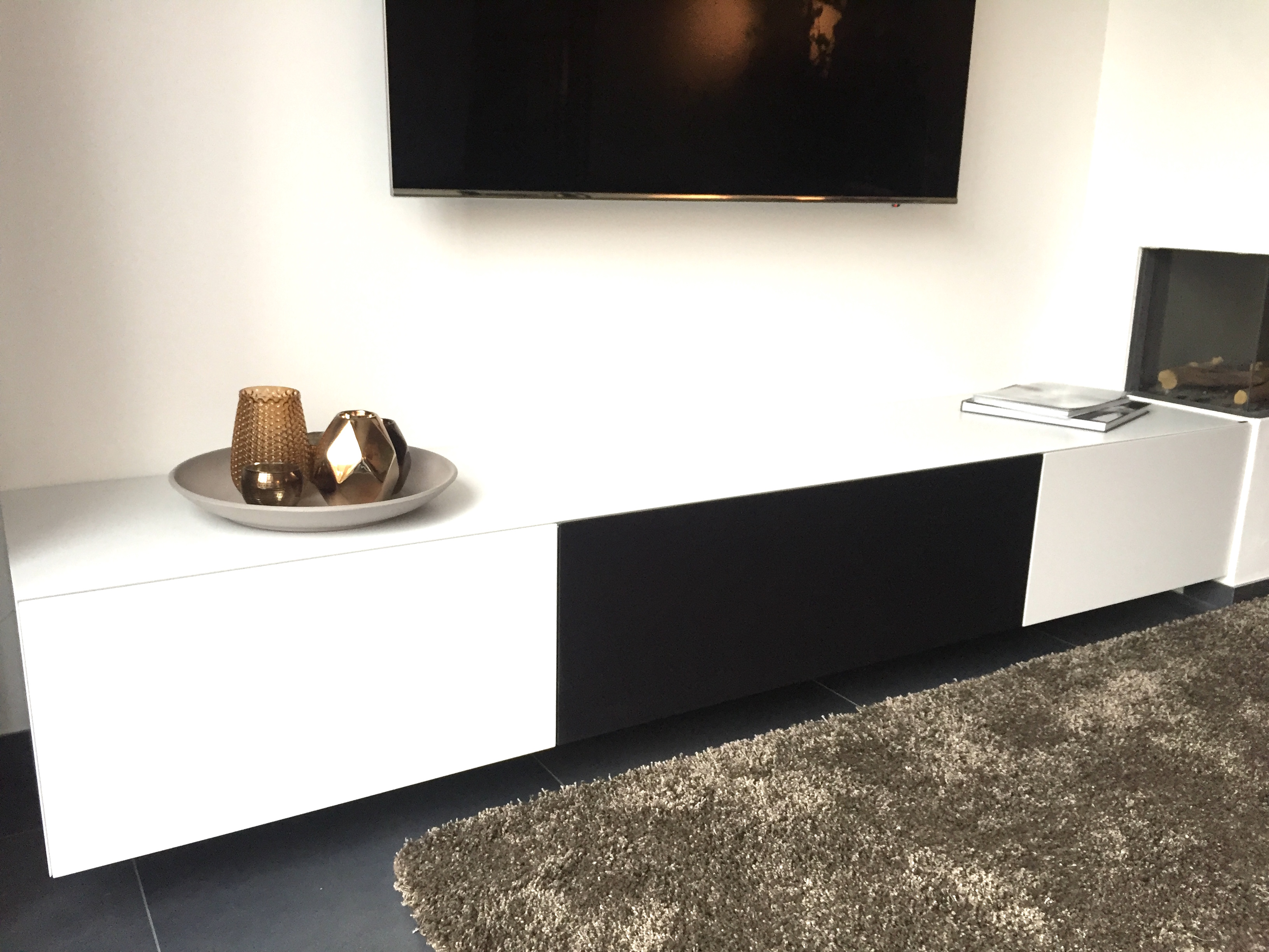 Maatwerk in tv meubels ardeno media furniture for Meubels wit