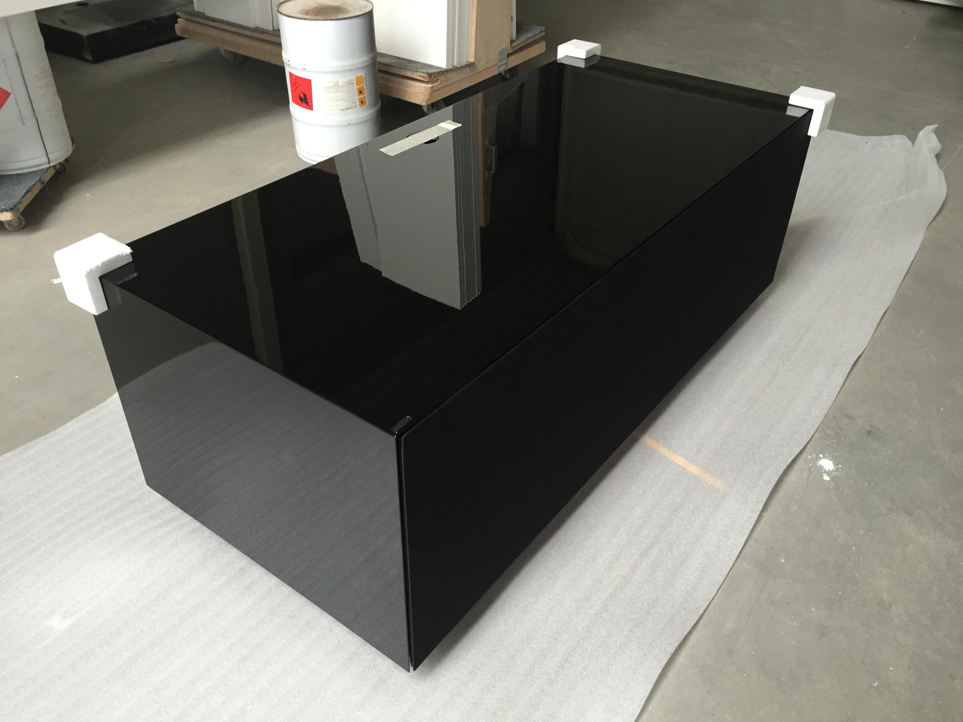 Ardeno JOY! meubel op maat hoogglans zwart met speakerdoek front